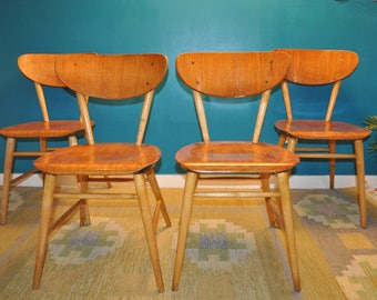 Set of 4 chairs in teak