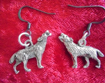 Howling wolf charm pewter earrings