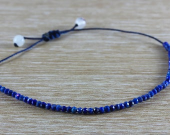 Adjustable strap with 57 small lapis lazuli faceted - blue