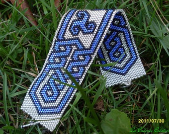 cuff silver, black and blue Delica beads