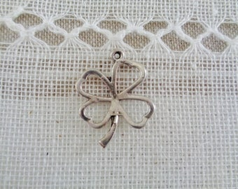 CHARM in silver, 4 leaf clover charm