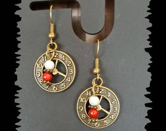 """Red and white beads and earrings """"clock"""""""