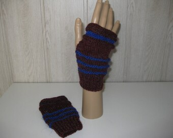 Burgundy and blue wool mittens