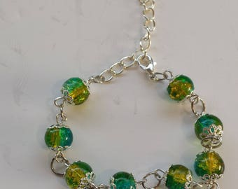YELLOW GLASS BEAD BRACELET / GREEN