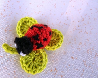 Ladybug on clover green anise - applique crochet