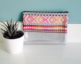 Large pouch pattern pink and silver