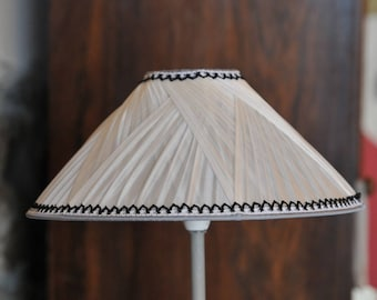 Elegant silk pleated shade