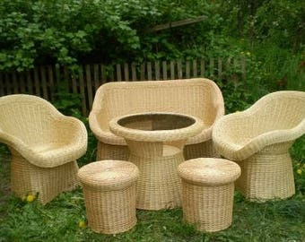NEW Willow home kitchen garden wicker furniture / Handmade wood table plus ottomans