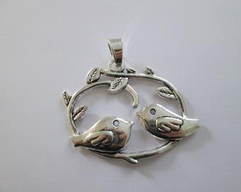 pendentif oiseau couple en métal argenté 72 x 65 mm