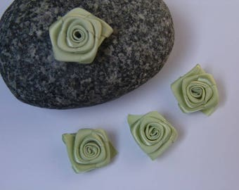 Green rose satin - 2.50 cm in diameter