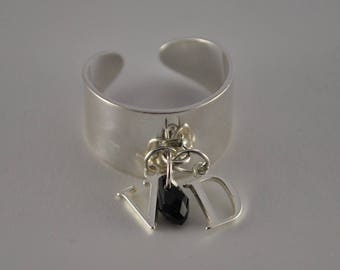 To personalize - Adjustable ring and its charms 925 sterling silver letters and its small drop Swarovski color choice.