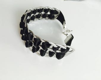 Bracelet capsules of cans and black ribbon and Toggle jewelry clasp