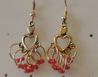 Earrings old red gold with ornate seed bead rings