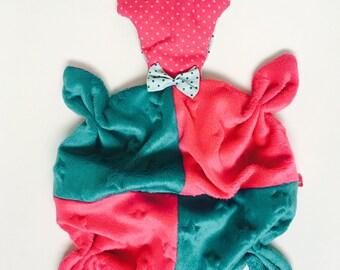 VELVET soft teddy bear baby blanket/plush pink and green