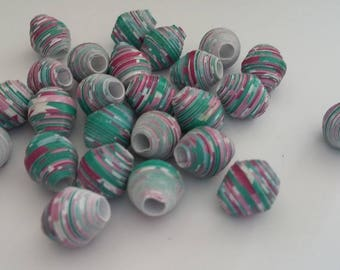 Green and pink paper beads