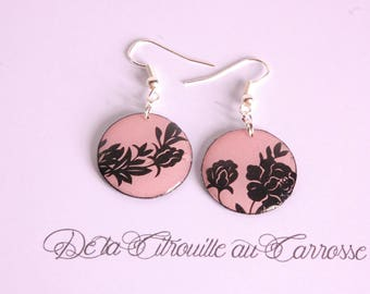 Earrings black and pink floral pattern