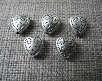 Engraved heart shape silver metal bead