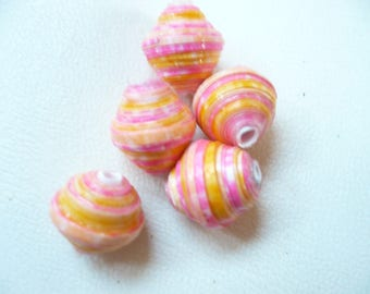 set of 5 paper beads.