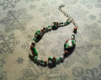 Bracelet trend, stylish, summery, original (white, black, green and Brown)