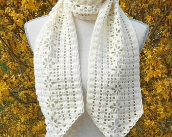 Ecru crochet scarf