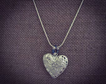 Precious locket with bead accent for use with essential oils