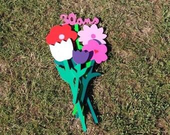Personalized wooden flower bouquet