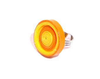 Ring made of recycled cardboard orange and yellow