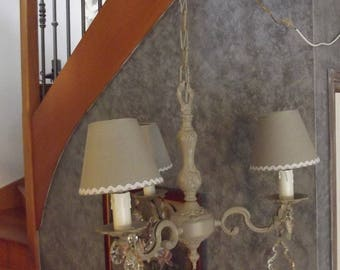 CHANDELIER ANTIQUE BRONZE THREE LIGHTS HIS LAMPSHADES AND PATINA