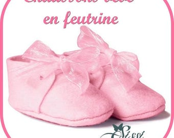 BABY PINK FELT BABY SHOE HAS OFFER DECORATING CHRISTENING FAVORS