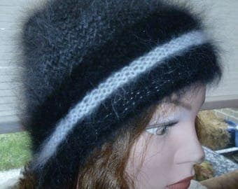 Bonnet Lady Angora jumper in houndstooth pattern