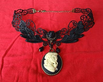 "Necklace / Choker Gothic cameo ""Protector"""