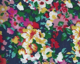 Cotton fabric with flowers - 150x50cm
