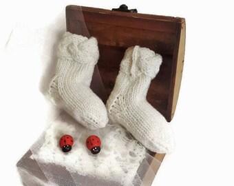 WHITE NEWBORN SOCKS/ Merino wool socks/ Handmade baby socks/ Baby booties/ Baby newborn gift/ Newborn baby clothes/ Girls socks/ Boys socks