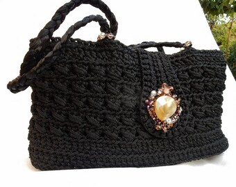 Shoulder-strap crochet bag with pearl button finished with glass beads