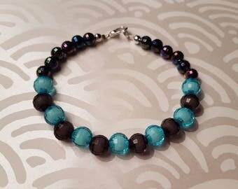 Blue/grey faceted beaded bracelet