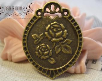 set of 8 QKA021 Rose pendant, signed