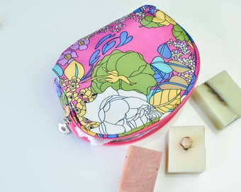 Shower Bag, Birthday Gift, Gift for Him/Her, Cosmetic Bag, Soap Dish, Teenage Gift, Natural Soaps, Essential Oils, Bathroom Gift, Soap Gift
