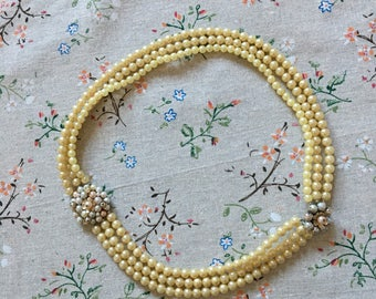 Stunning Vintage 1950's Costume Pearl Necklace