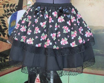 Skirt black strawberries