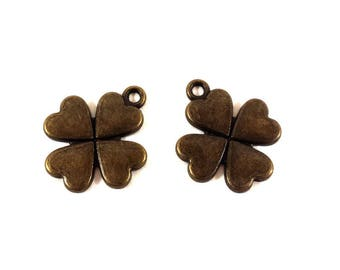Set of 2 (Ref.55) Bronze clover charms