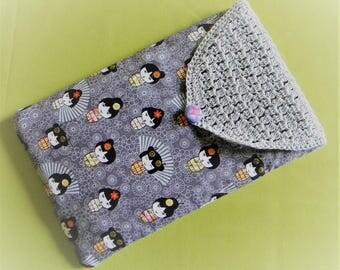 Pocket grey fleece to protect Tablet kokeshi