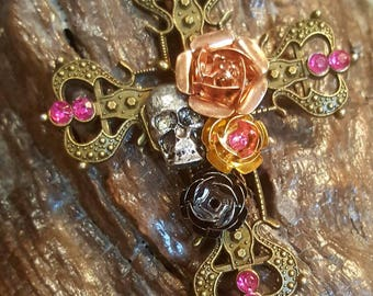 Novelty cross skull rose pendant