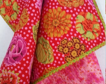 FLOWERS, DOTS, Baby Quilt, handmade, Toddler quilt, personalize, big flowers, dots, bright, colorful, reversible, happy, flannel back