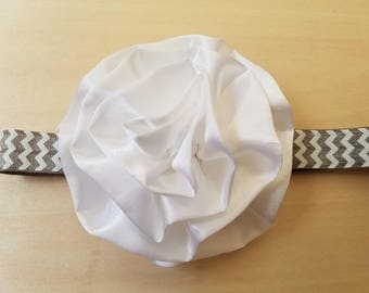 White flower elastic baby headband