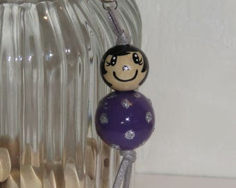 "Keychain doll with wooden beads, bag charm, ""logs smiles"" entirely hand painted and customizable colors lilac, purple"