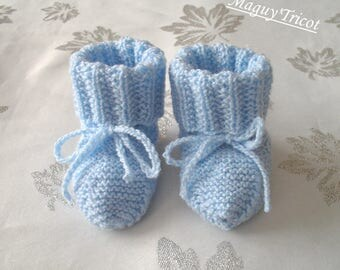 Bottons thier baby blue
