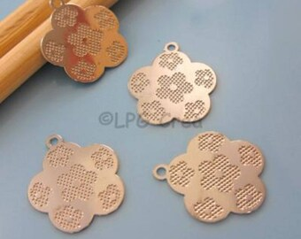 Floral plates - prints filigree flower pendant 4 # T76