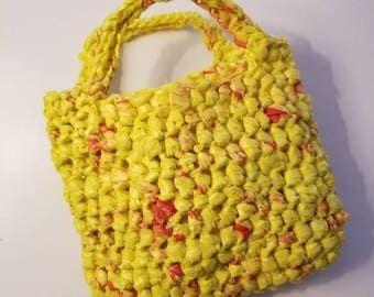 Plarn handle bag