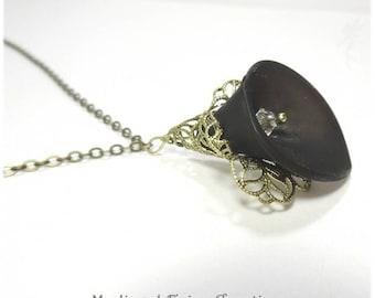 "Necklace mid-length ""black Arum"""
