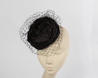 Silk pillbox hat with veiling details